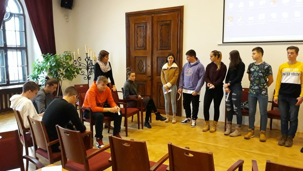 """Workshop v nemeckom jazyku - """"Literatúra kreatívne a hravo"""" /Príspevok žiakov II.D a II.A/"""